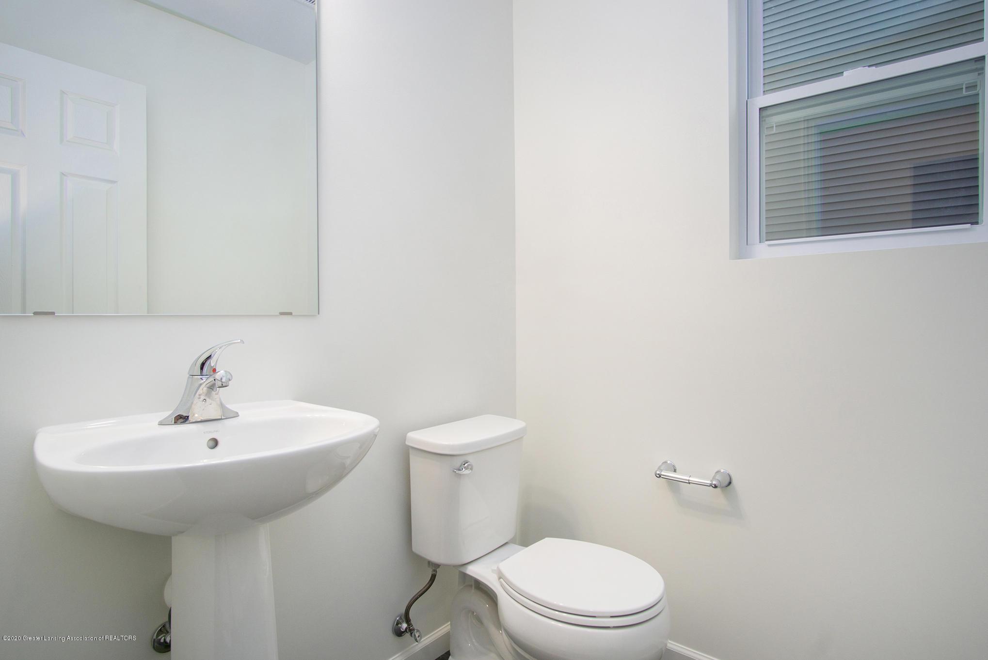 1110 River Oaks Dr - CSS054-i2000-Powder Room - 8