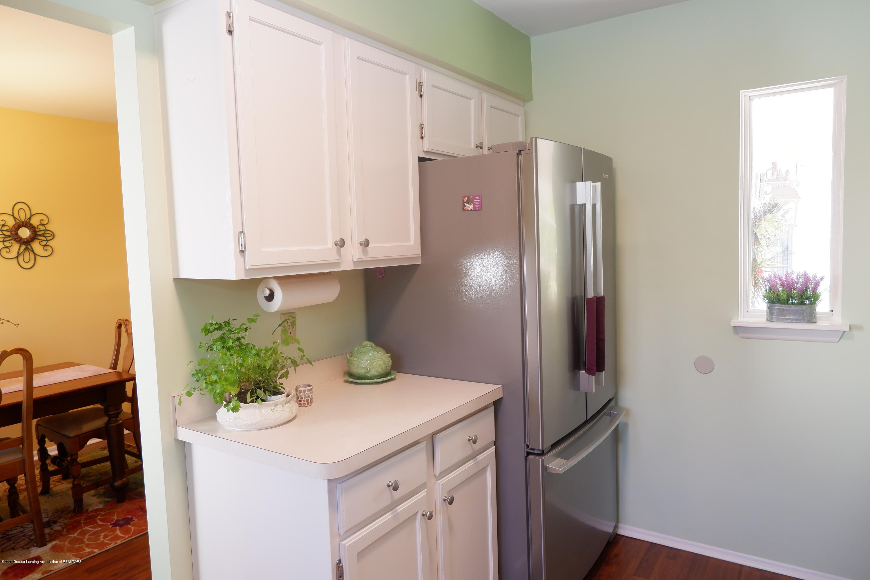 968 Touraine Ave - New stainless appliances - 12
