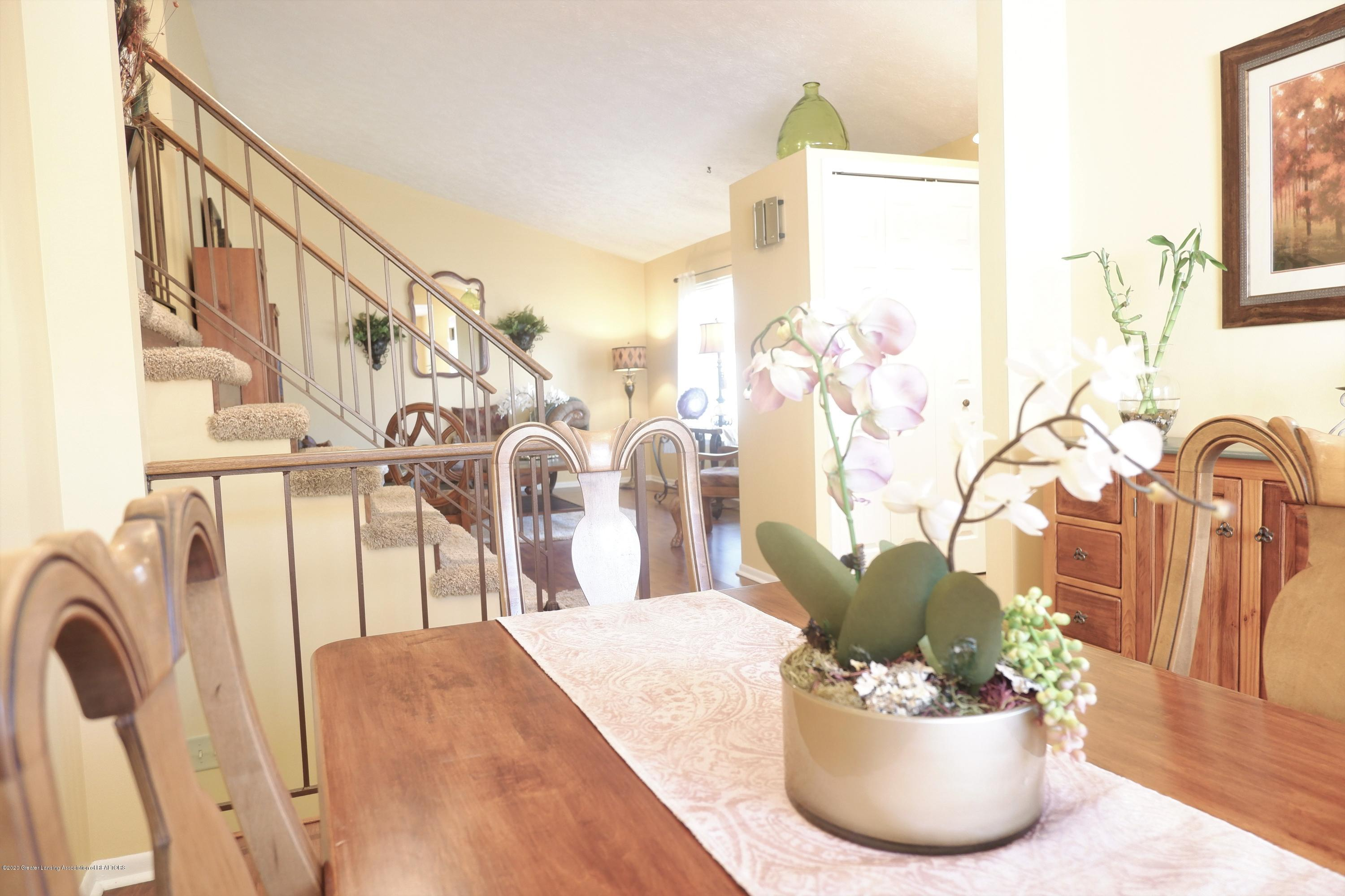 968 Touraine Ave - Dining looking to living room - 15