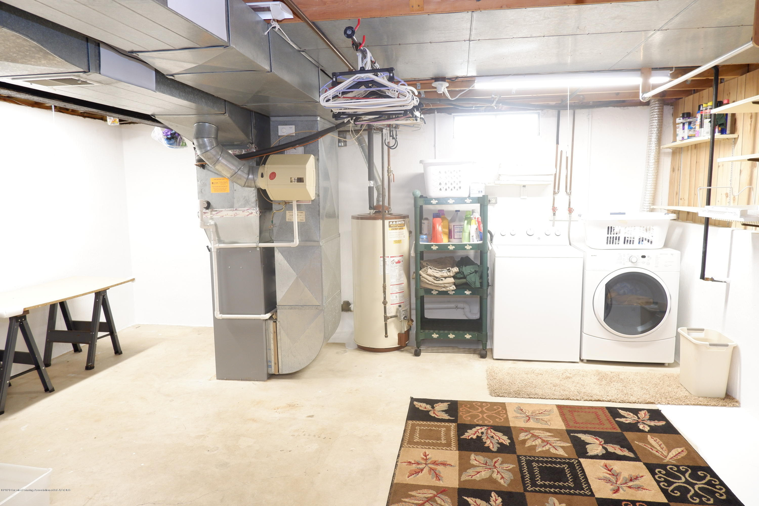 968 Touraine Ave - Laundry area in bsmt - 31
