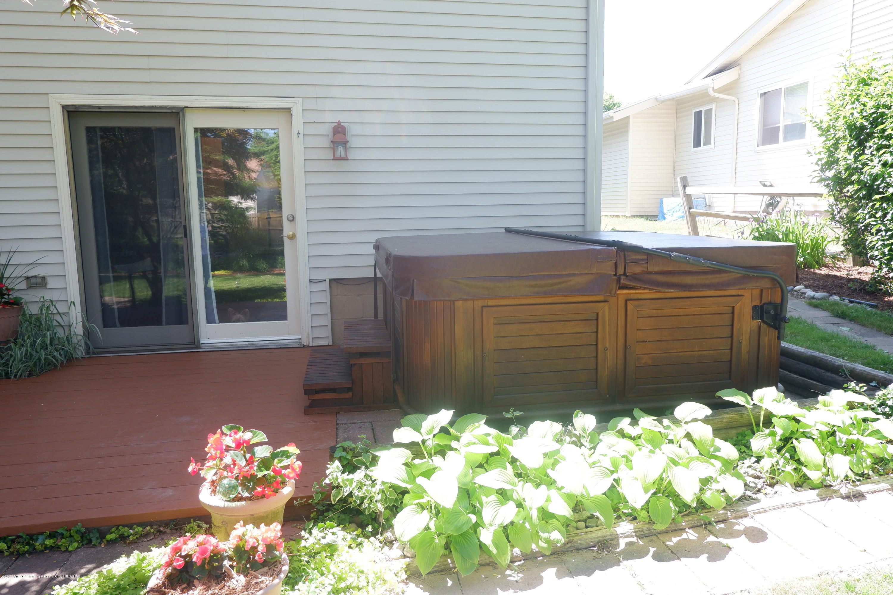 968 Touraine Ave - Hot tub off family room - 34