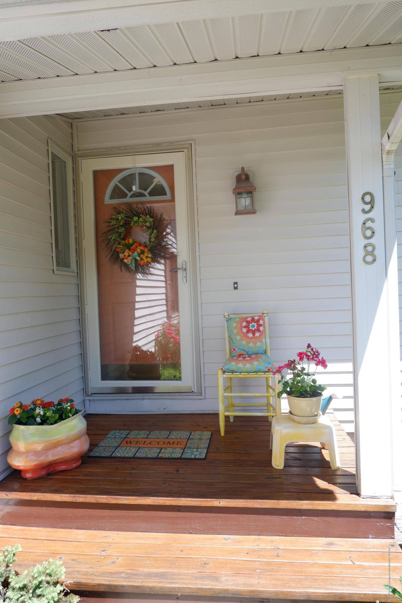 968 Touraine Ave - Covered front porch - 6