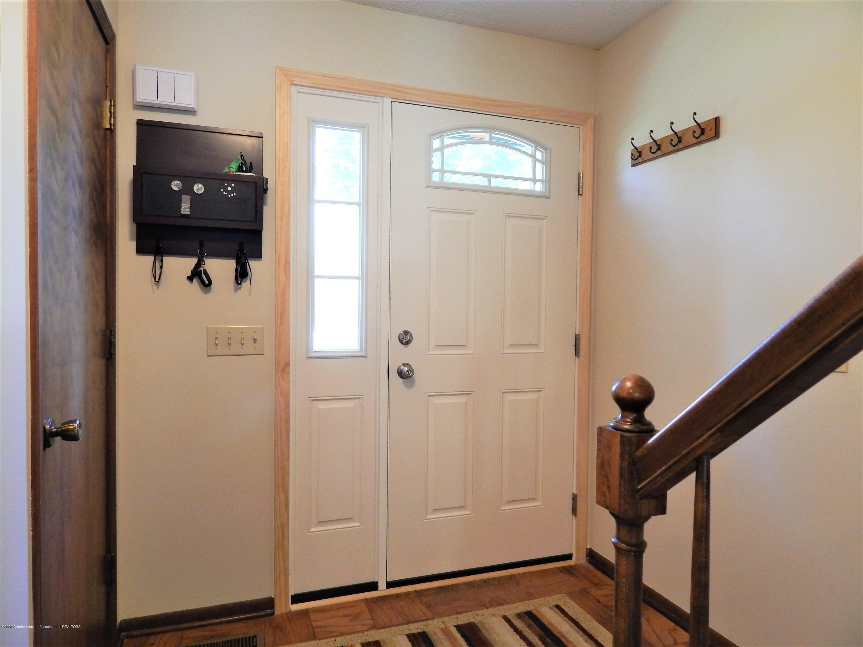 1356 Chartwell Carriage Way N - Foyer - 4