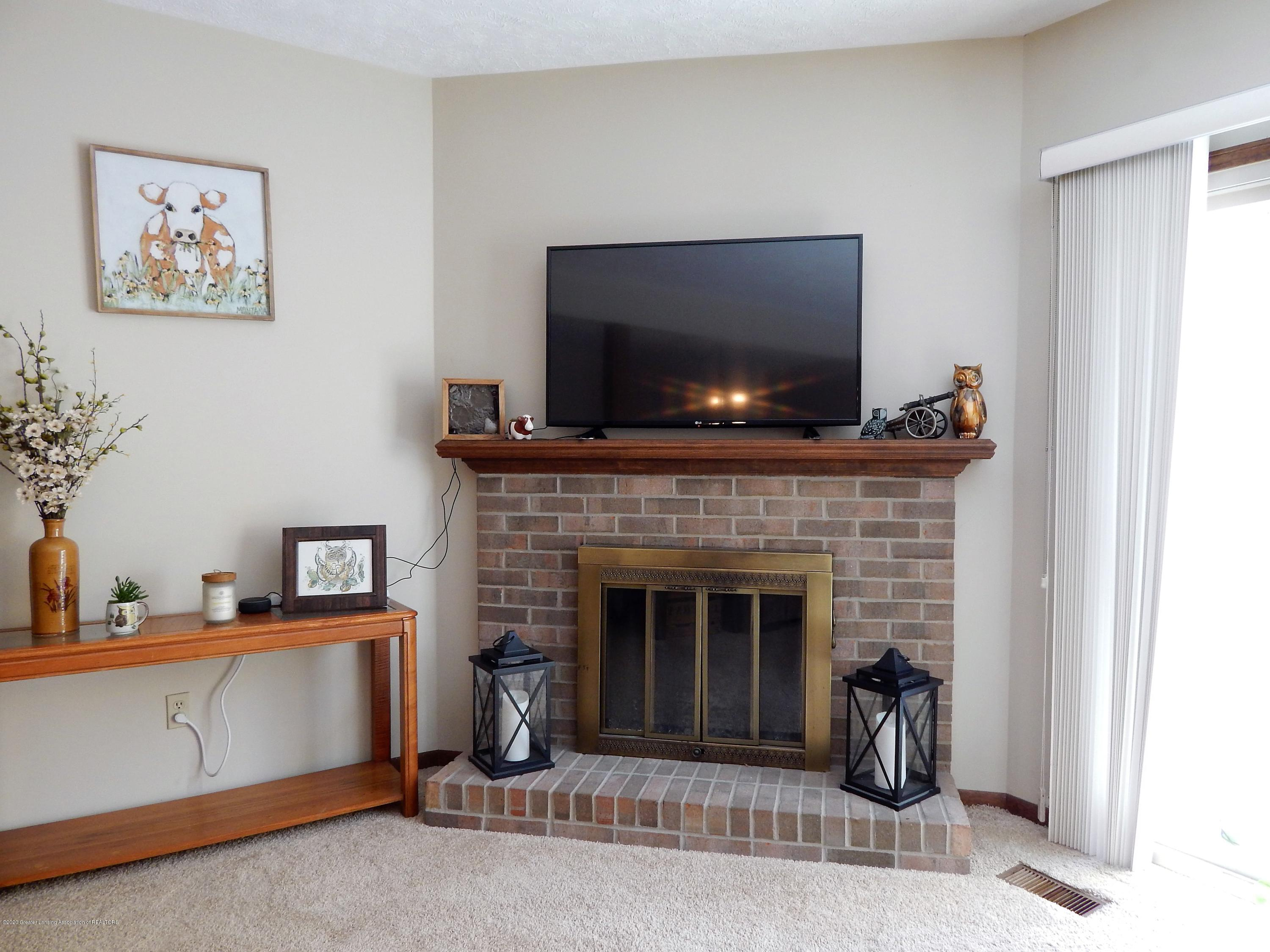 1356 Chartwell Carriage Way N - Living Room - 16