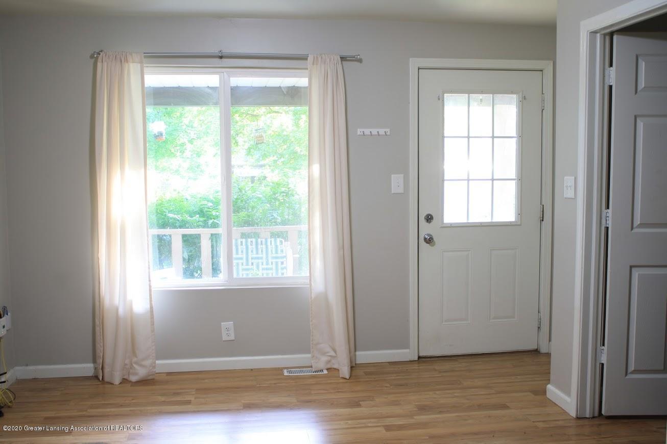 135 S Fairview Ave - Living Room - 3