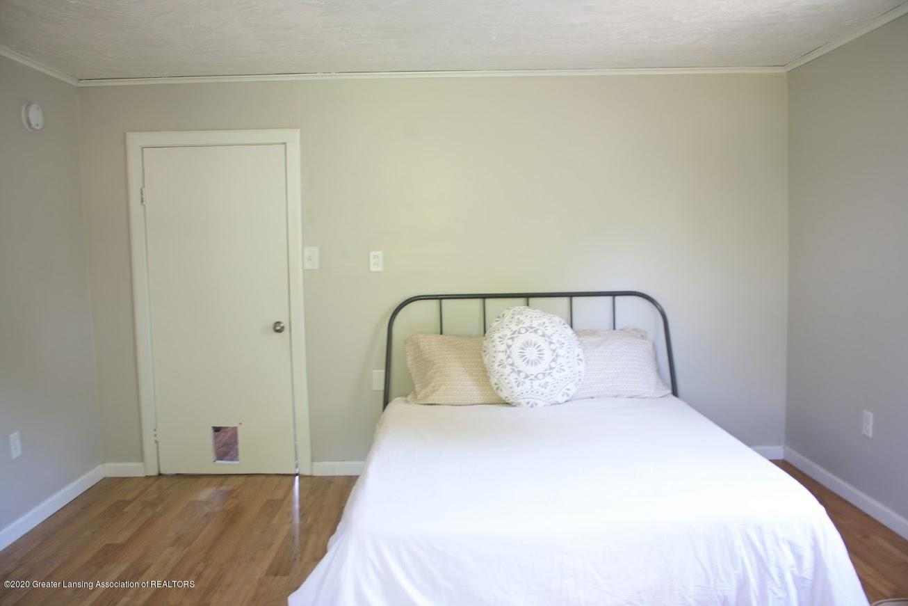 135 S Fairview Ave - Bedroom - 6