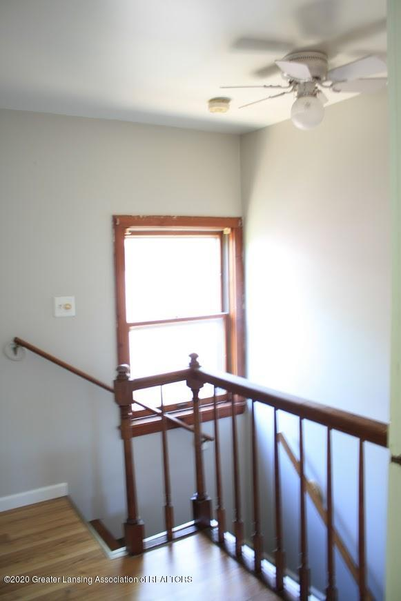 135 S Fairview Ave - Stairway - 9