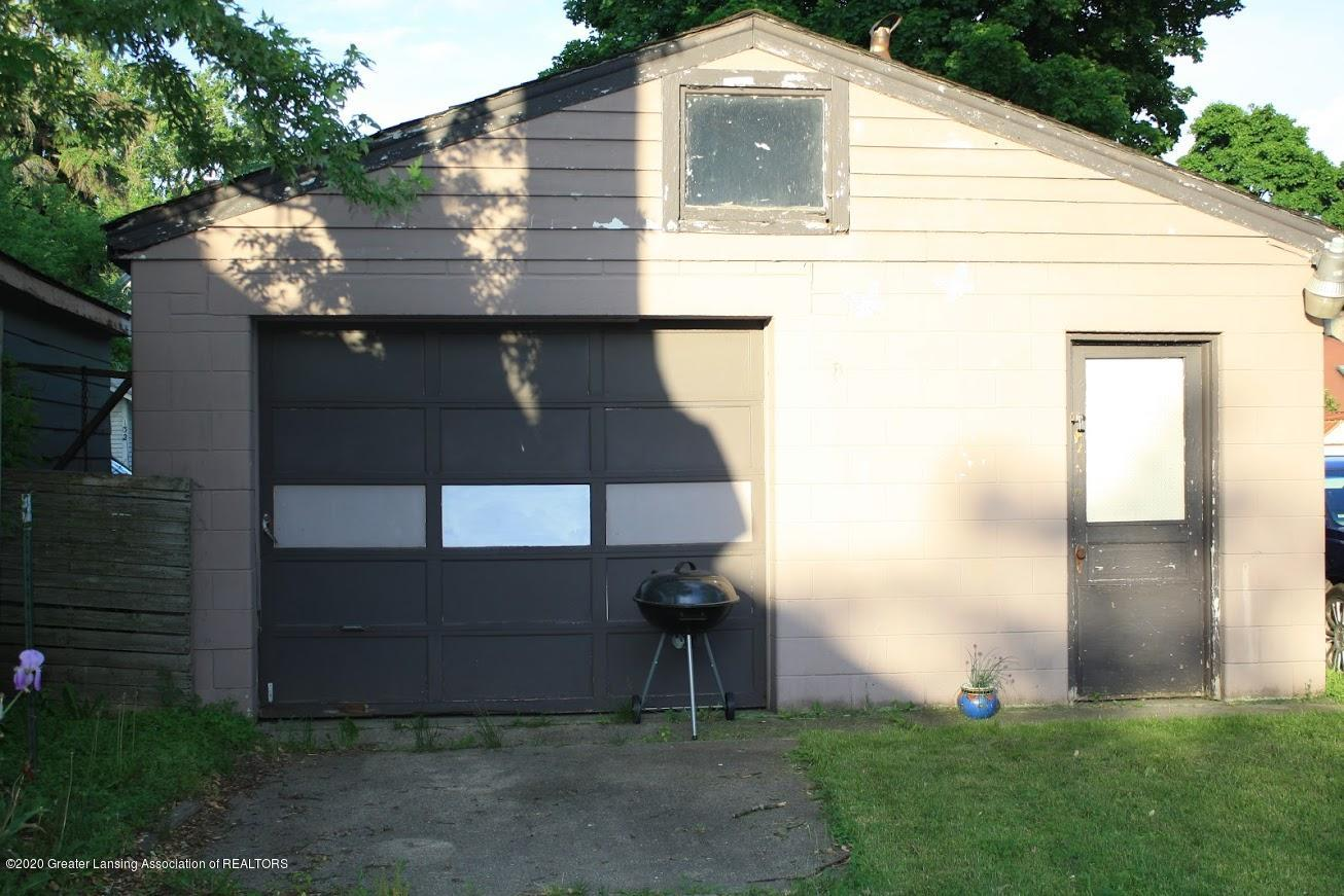 135 S Fairview Ave - Garage - 14