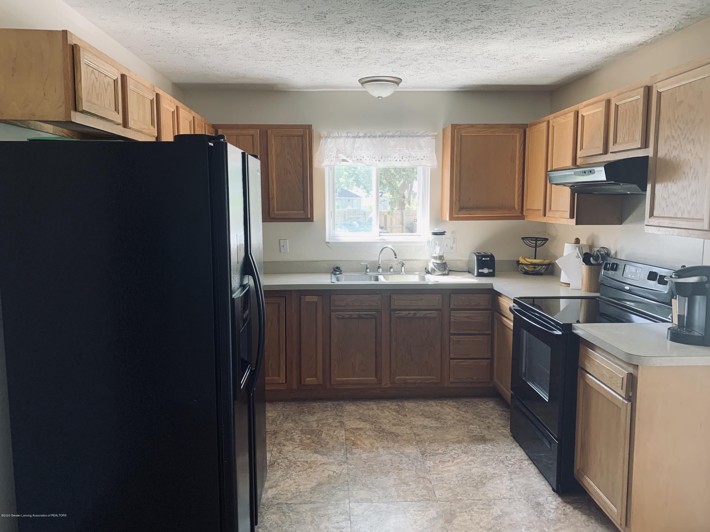 4922 Stillwell Ave - 4922 kitchen - 3