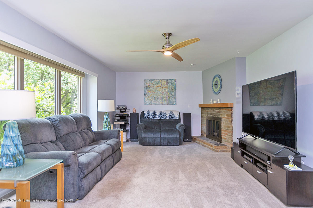 1113 Old Hickory Ln - Living Room - 4