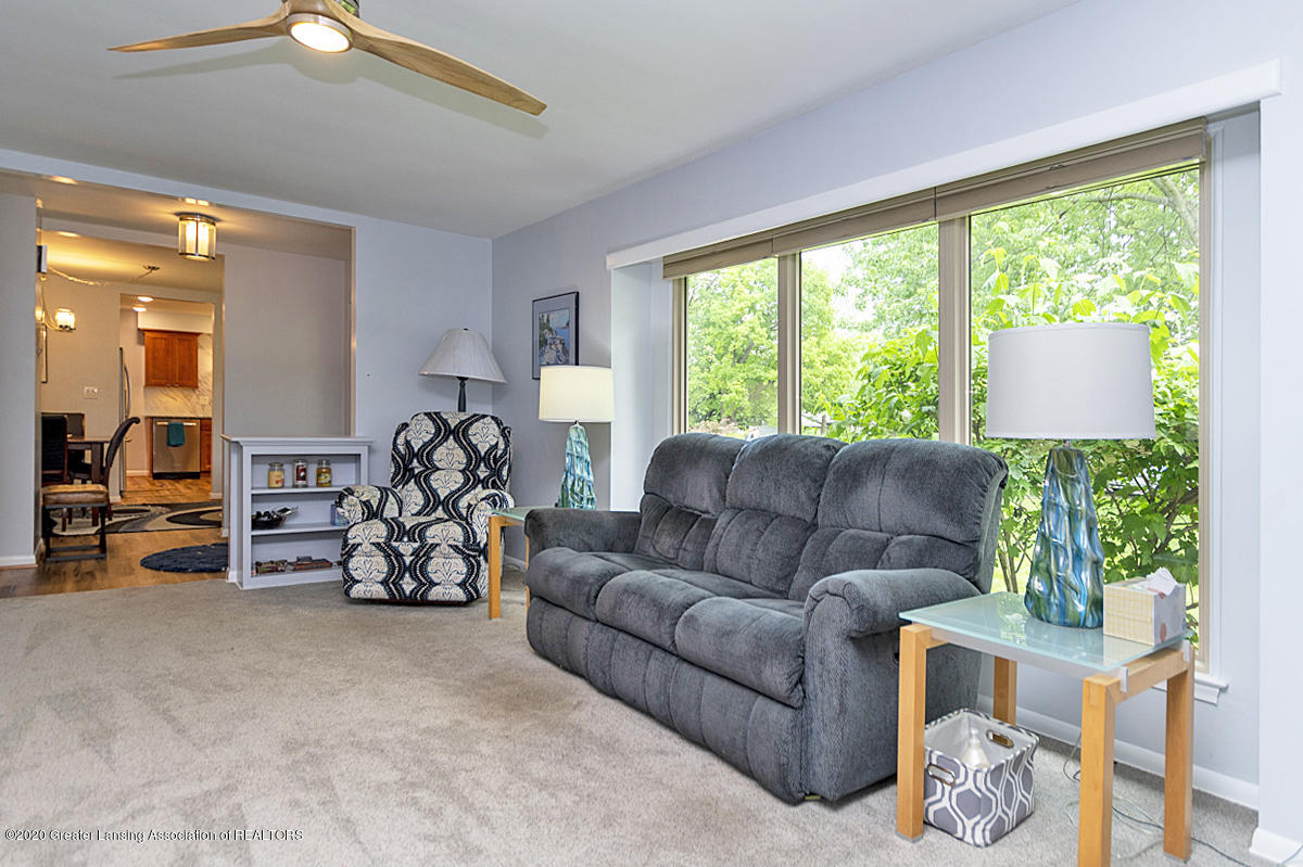 1113 Old Hickory Ln - Living Room - 6
