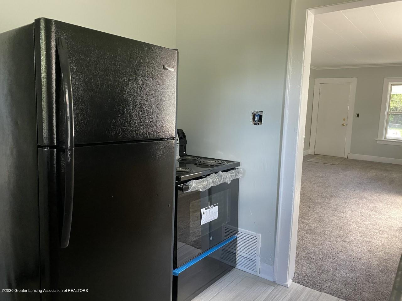 1033 Queen St - New Appliances - 11