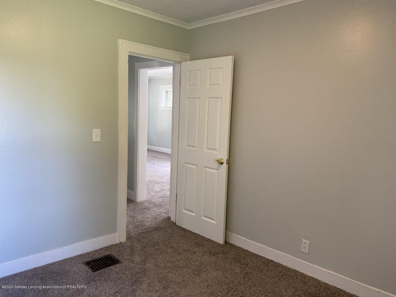 1033 Queen St - Bedroom - 13
