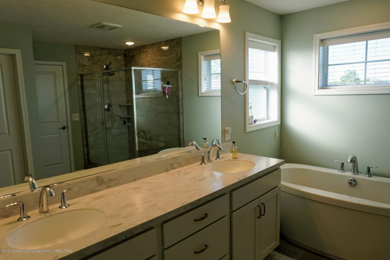 2725 Kittansett Dr - Master bathroom - 16