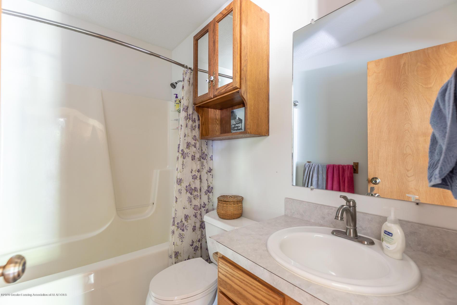 2229 S Chester Rd - Bathroom - 14