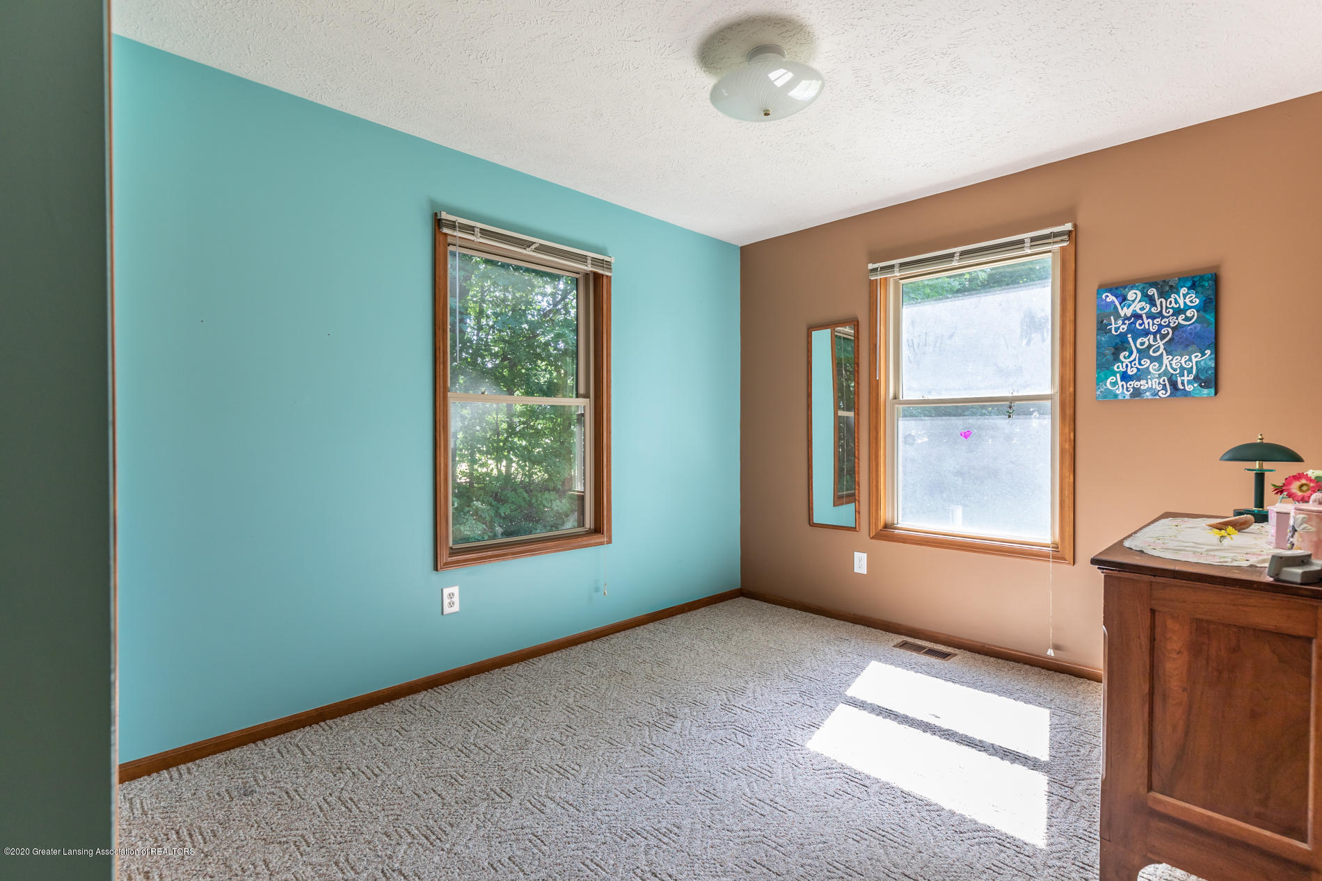 2229 S Chester Rd - Bedroom view - 16