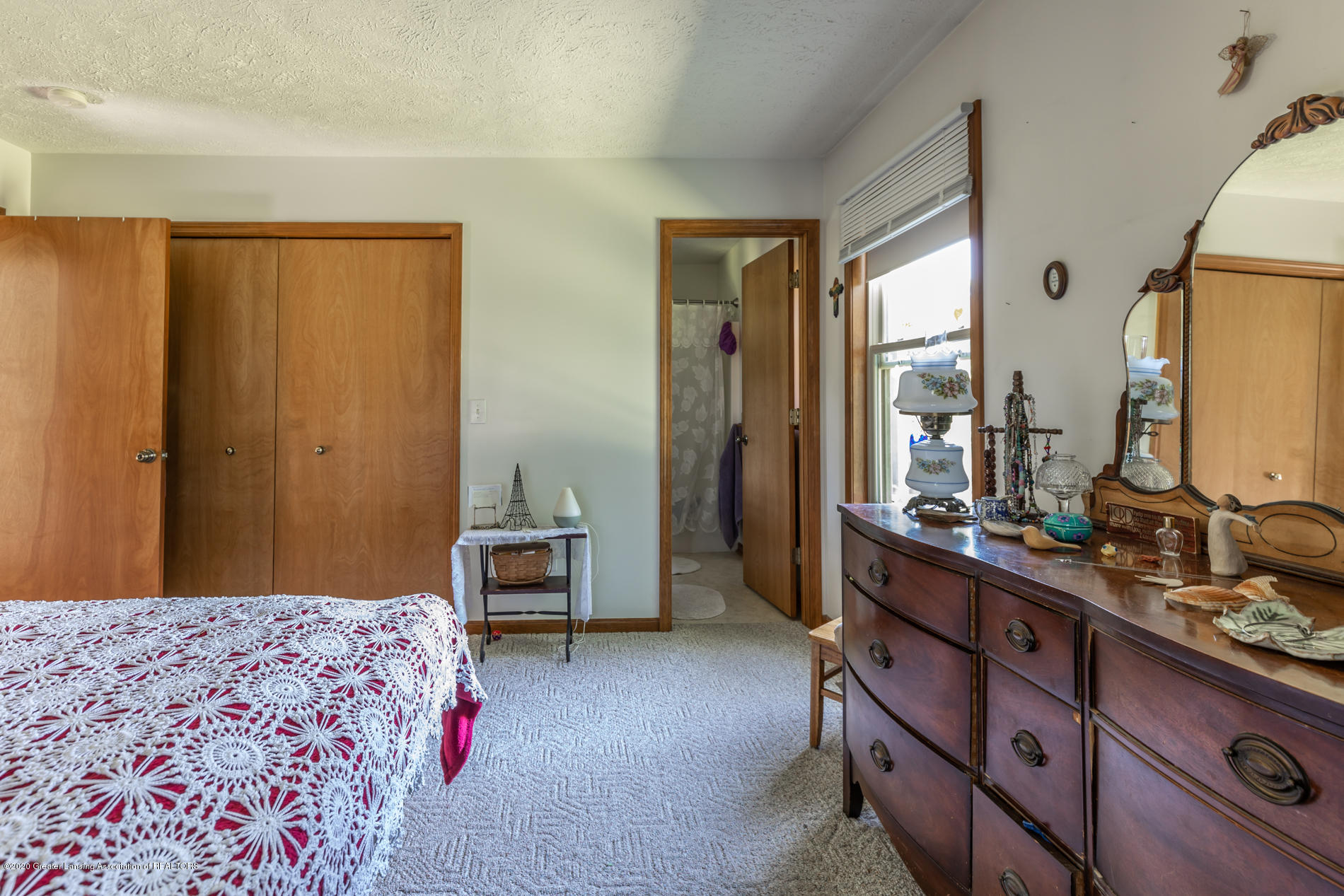 2229 S Chester Rd - Master bed and bath - 10