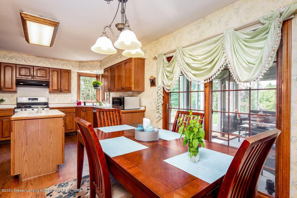 3057 Summergate Ln - kitchenbreakfast - 12