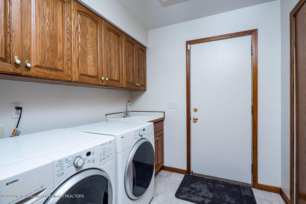 3057 Summergate Ln - laundry - 23