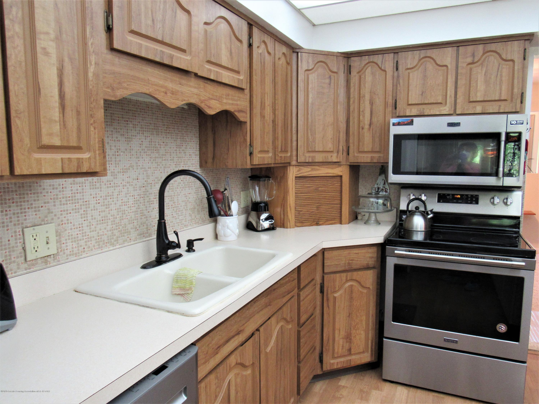 4120 Arlene Dr - Kitchen View 3 - 10
