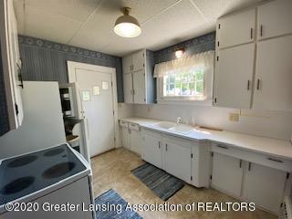 4353 Holt Rd - Main kitchen 3 - 4