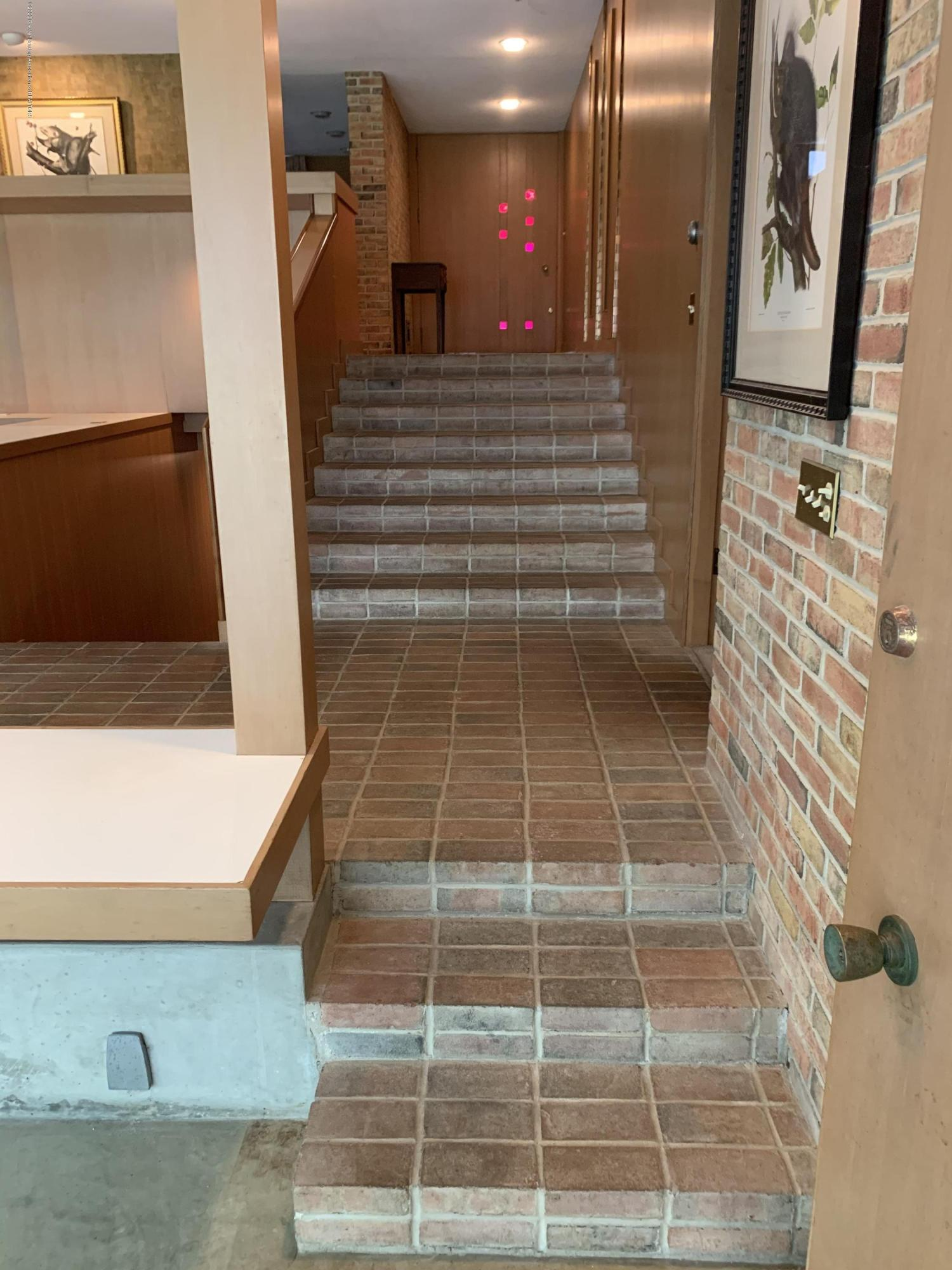 1172 Wrightwind Dr - Stairs to Solarium - 32