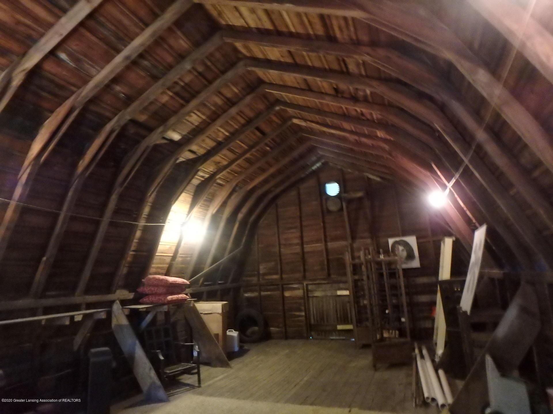 315 Pleasant St - 315 barn loft best - 24