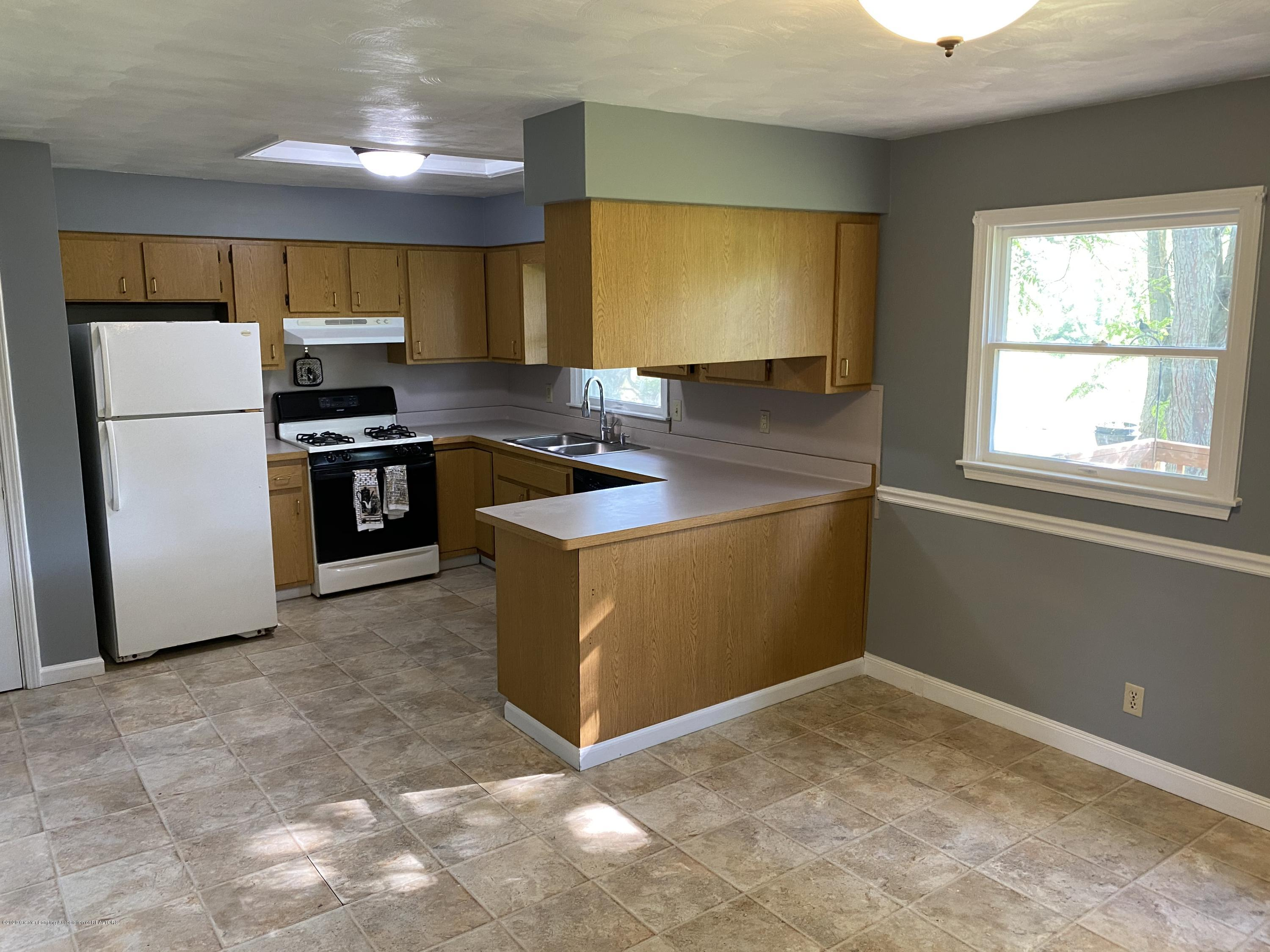 3386 Ionia Rd - 5 Kitchen Dining - 5