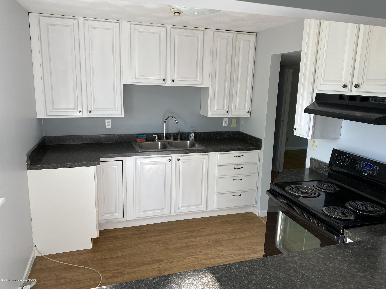 3386 Ionia Rd - 19 LL Kitchen - 20