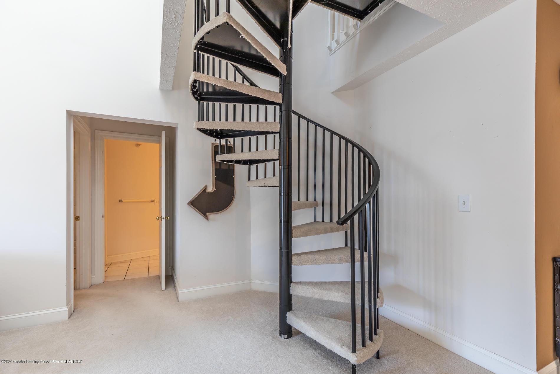 268 W Saginaw St Apt 302 - saginaw2stairs (1 of 1) - 13