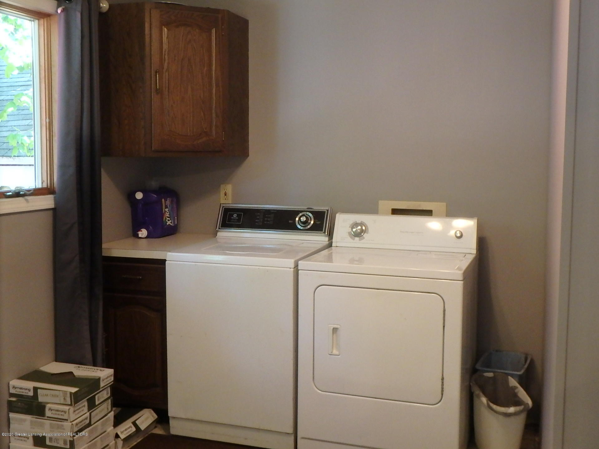 315 Pleasant St - 315 first floor laundry - 10
