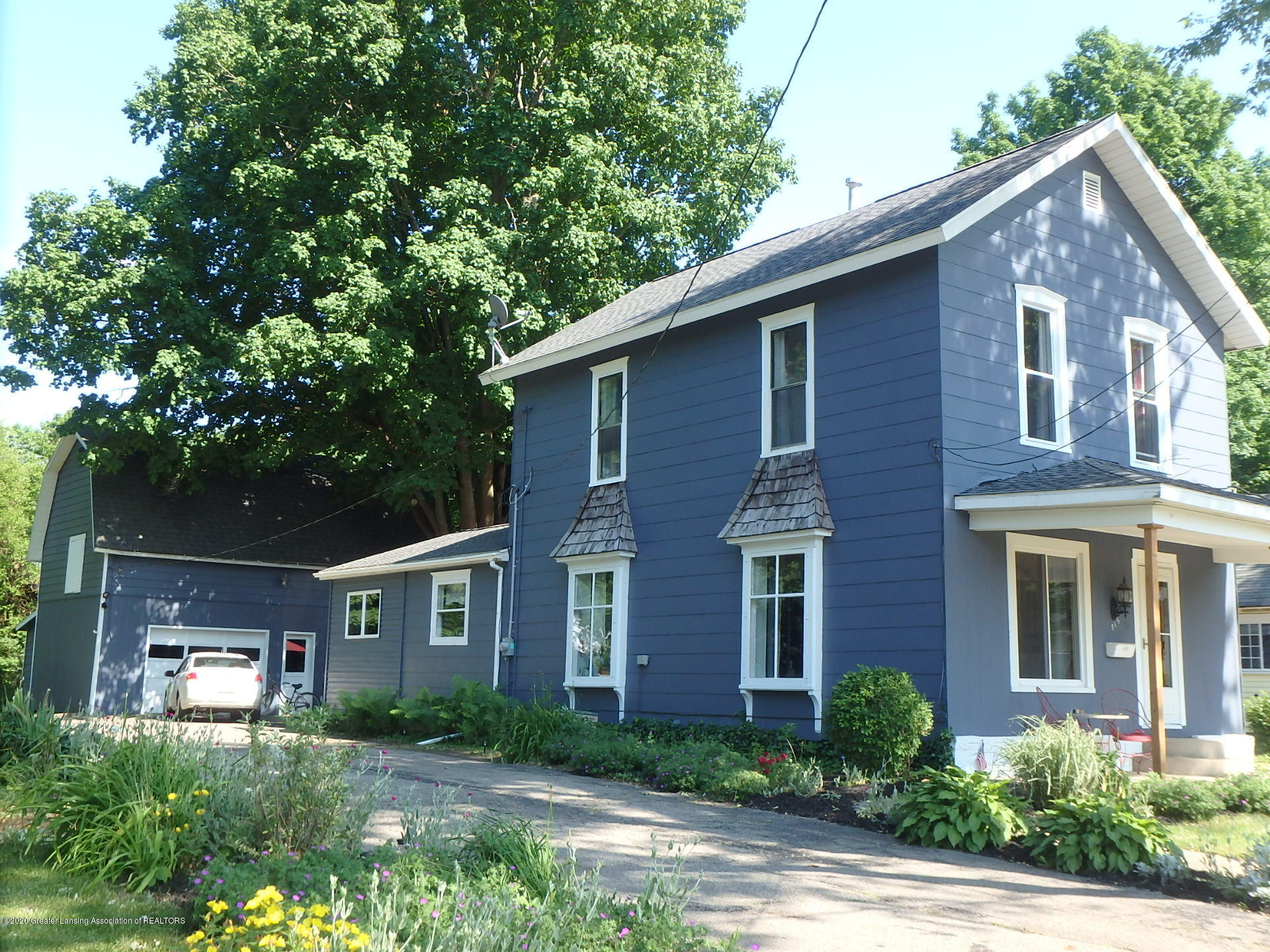 315 Pleasant St - 315 house and barn - 26