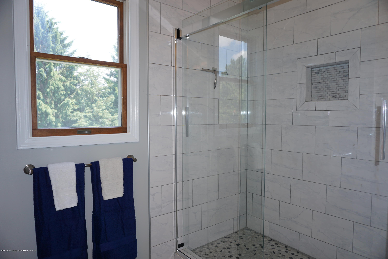 407 Wanilla Ln - Master Bath - 20