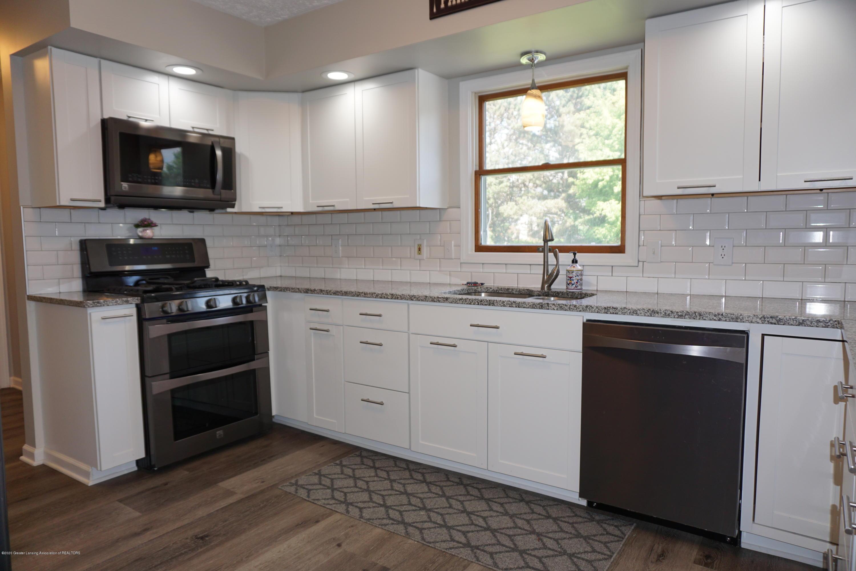 407 Wanilla Ln - Kitchen - 7