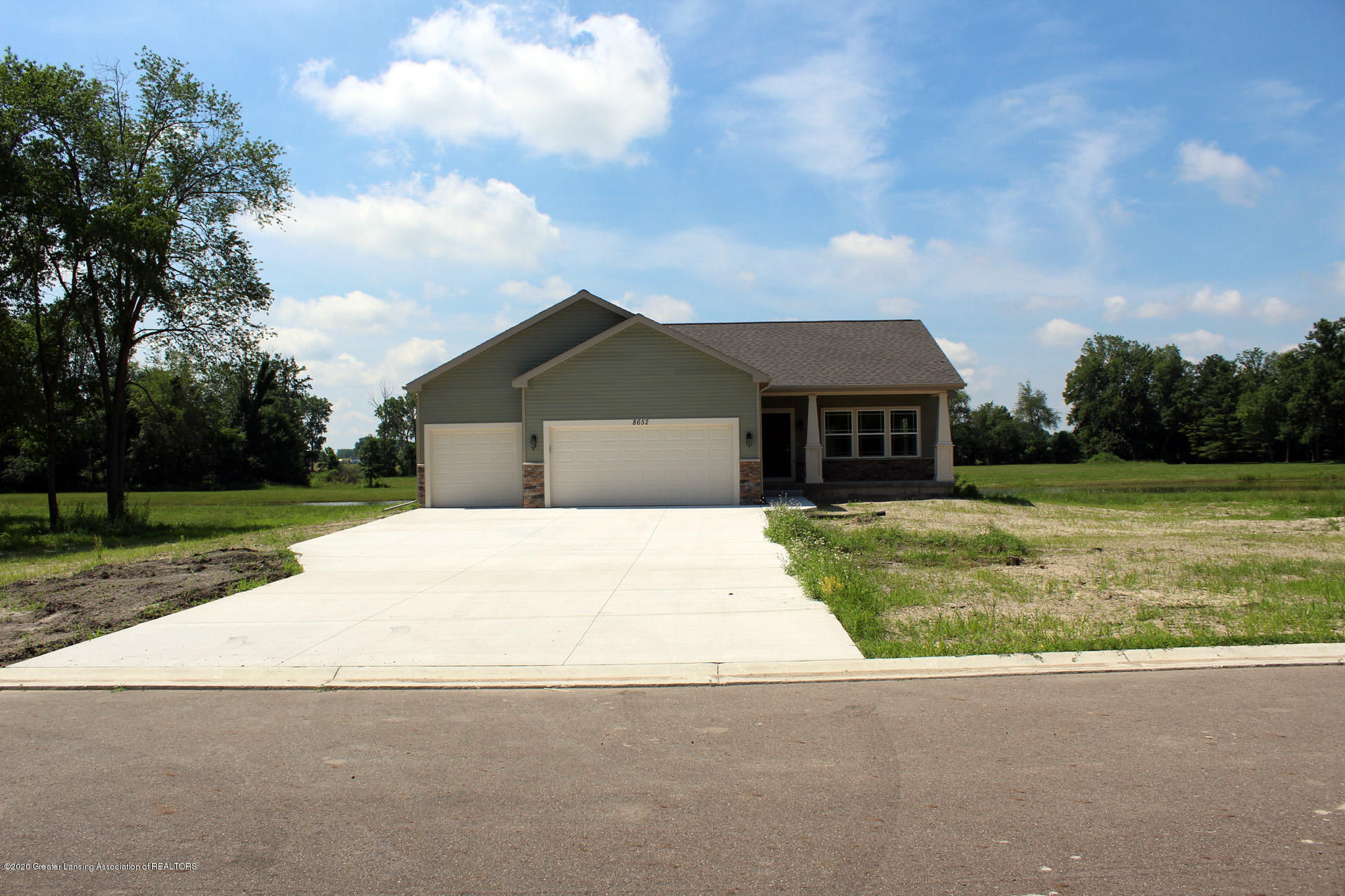 8652 Ironstone Dr - IMG_0495 - 1