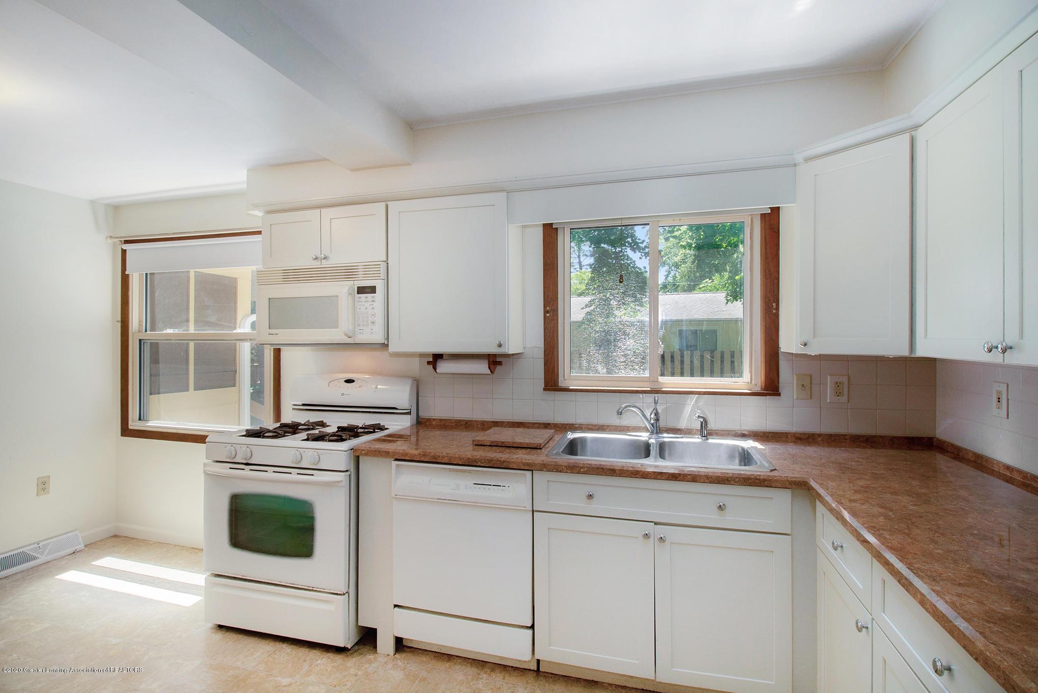 4510 Dobie Rd - Kitchen - 11