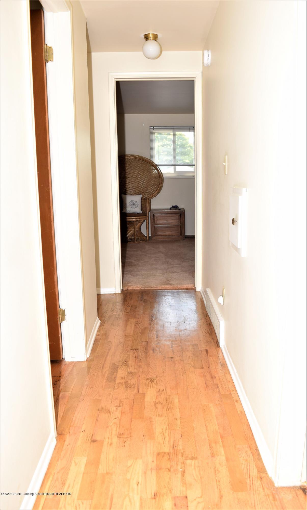543 Tarleton Ave - DSC_0036 - 13