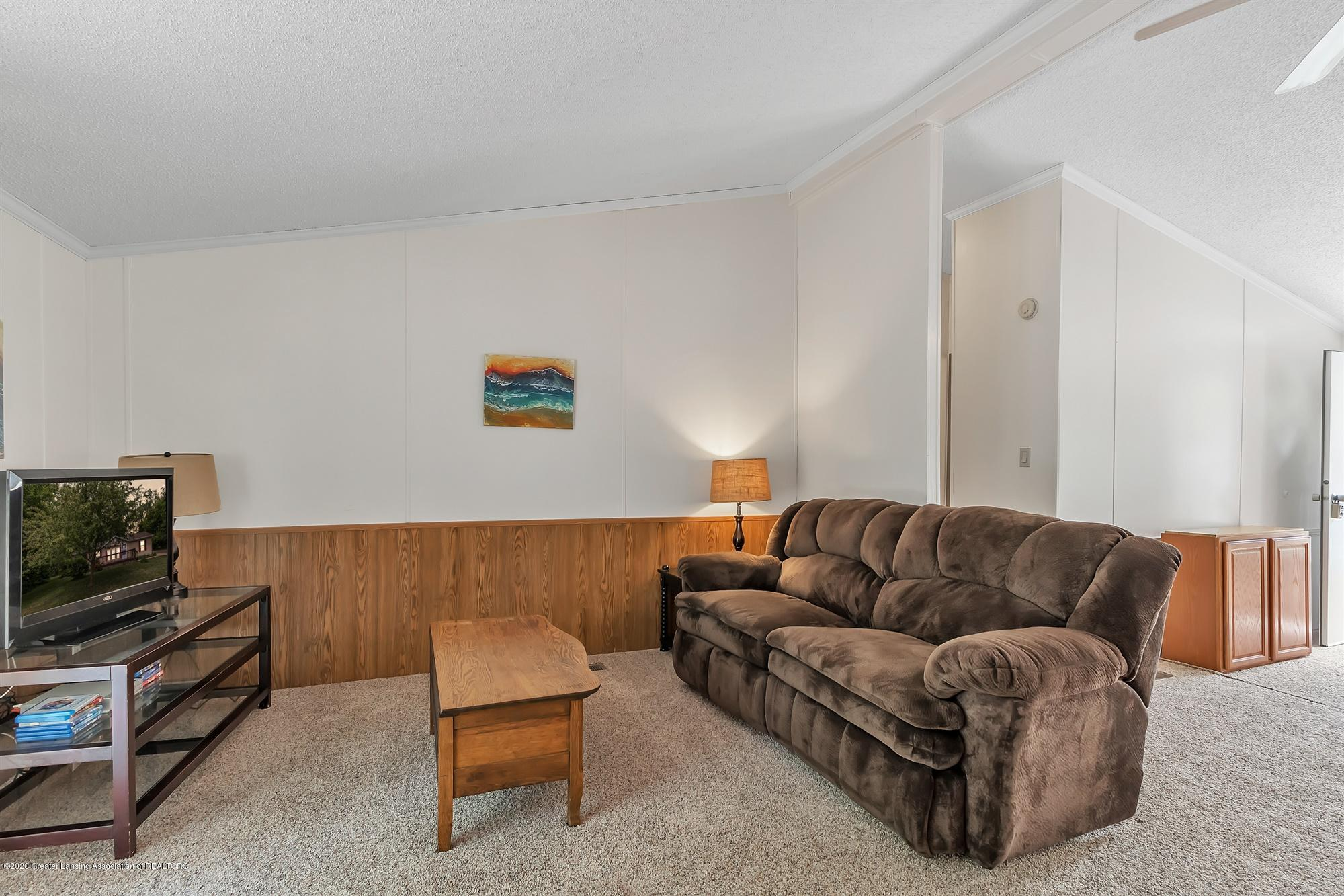 600 King - Living room Couch - 10