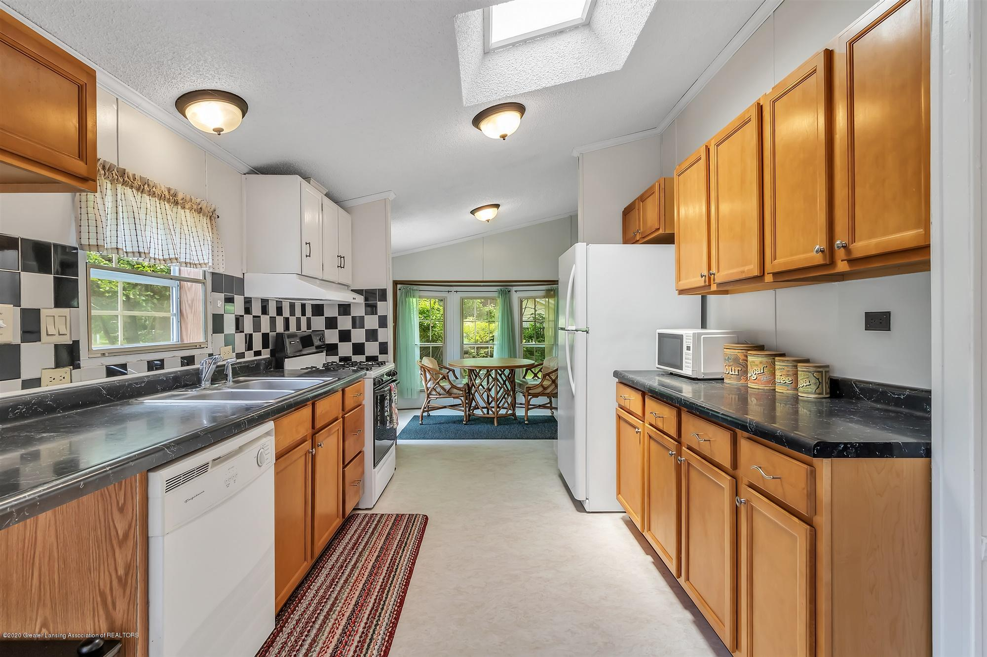 600 King - Kitchen - 11