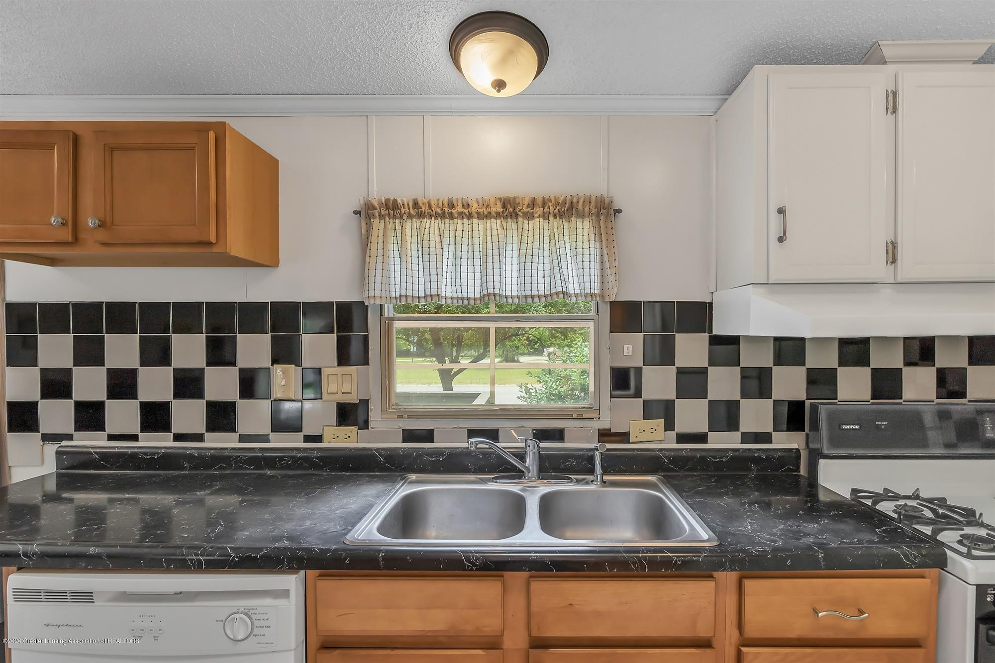 600 King - Kitchen - 12