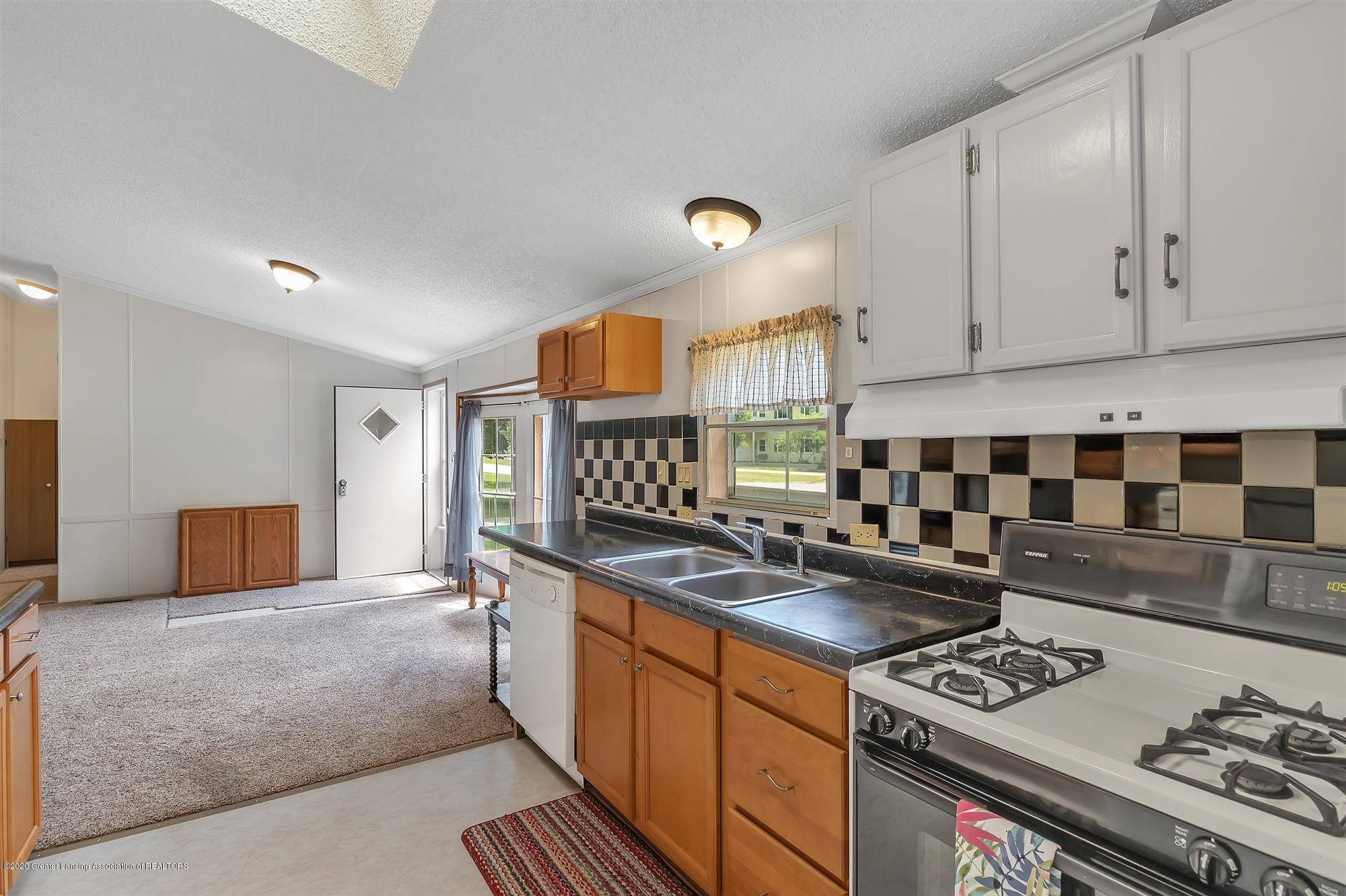 600 King - Kitchen - 13