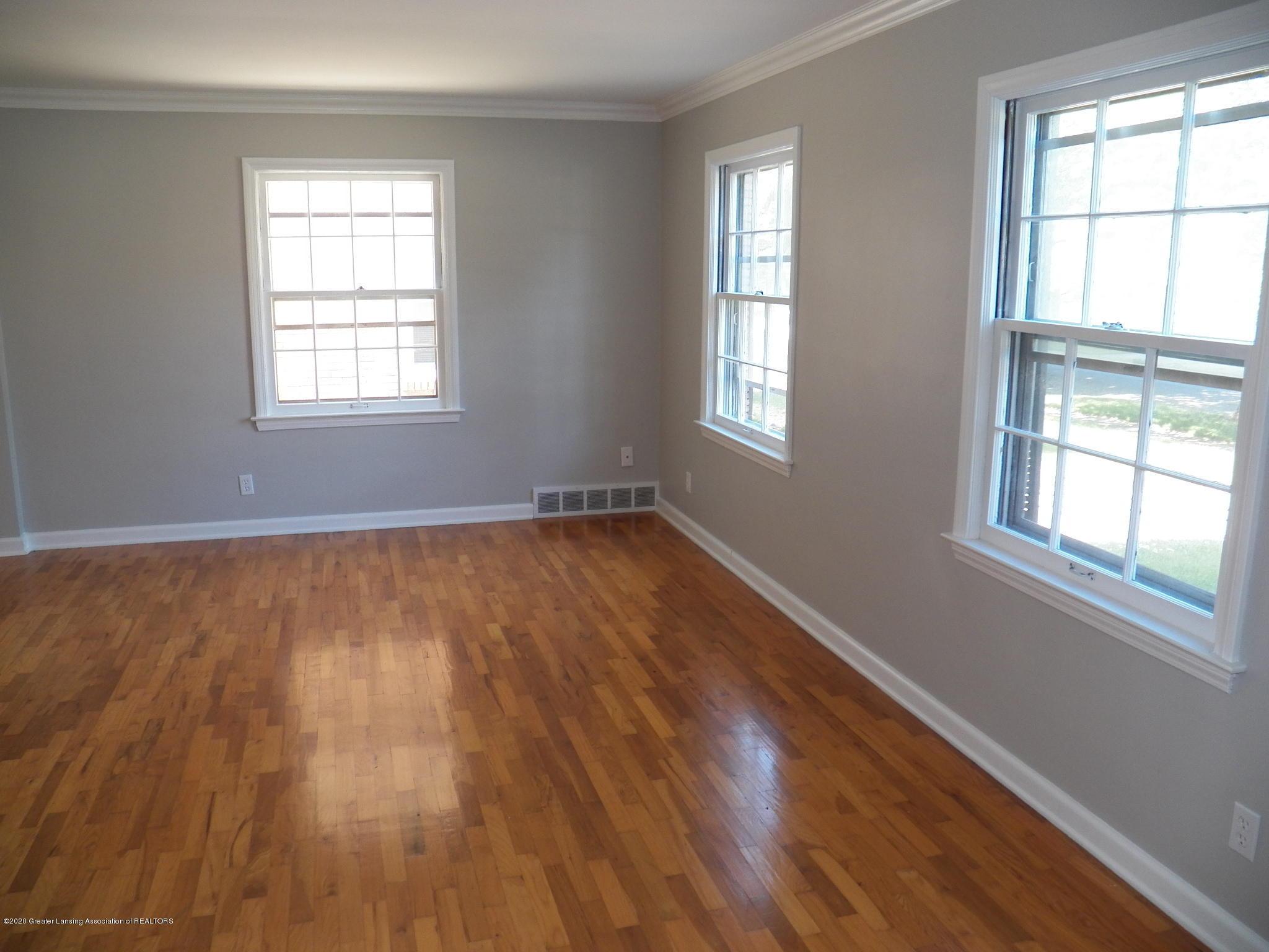 1812 Shubel Ave - living room - 3