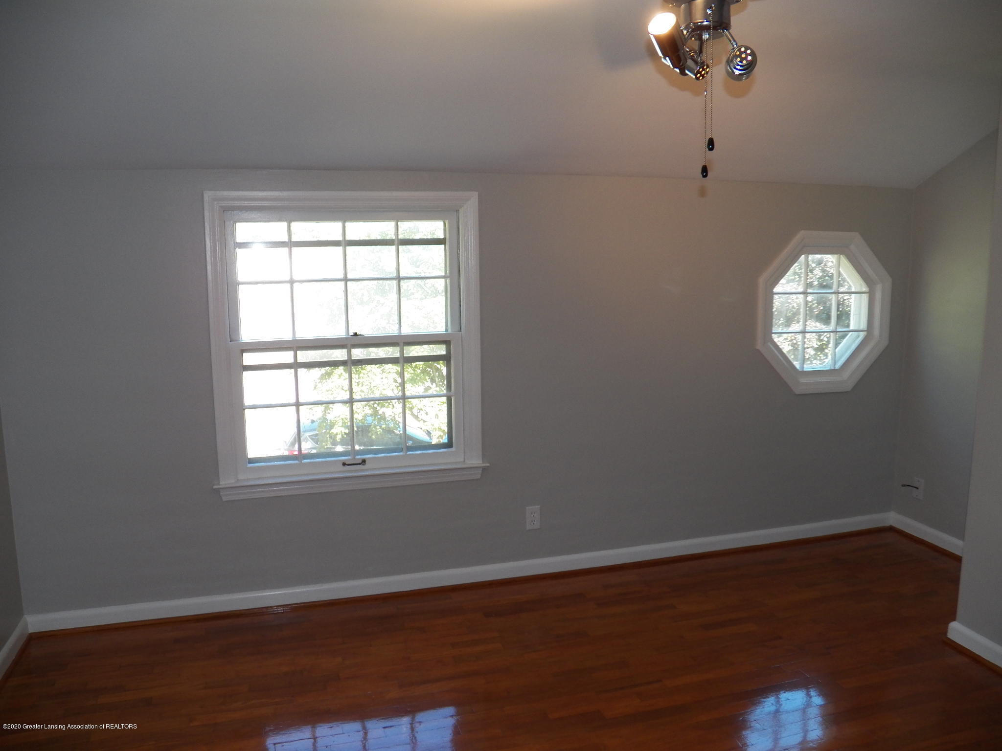1812 Shubel Ave - master bed - 6