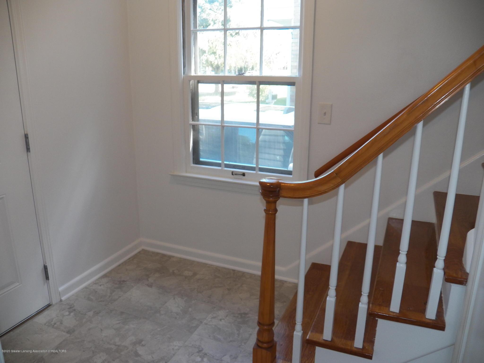 1812 Shubel Ave - foyer - 14