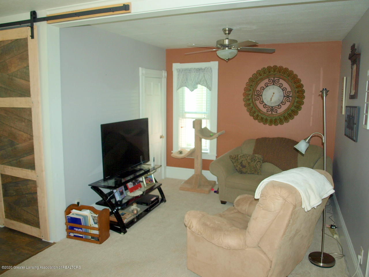 202 N Lansing St - Living Room - 5