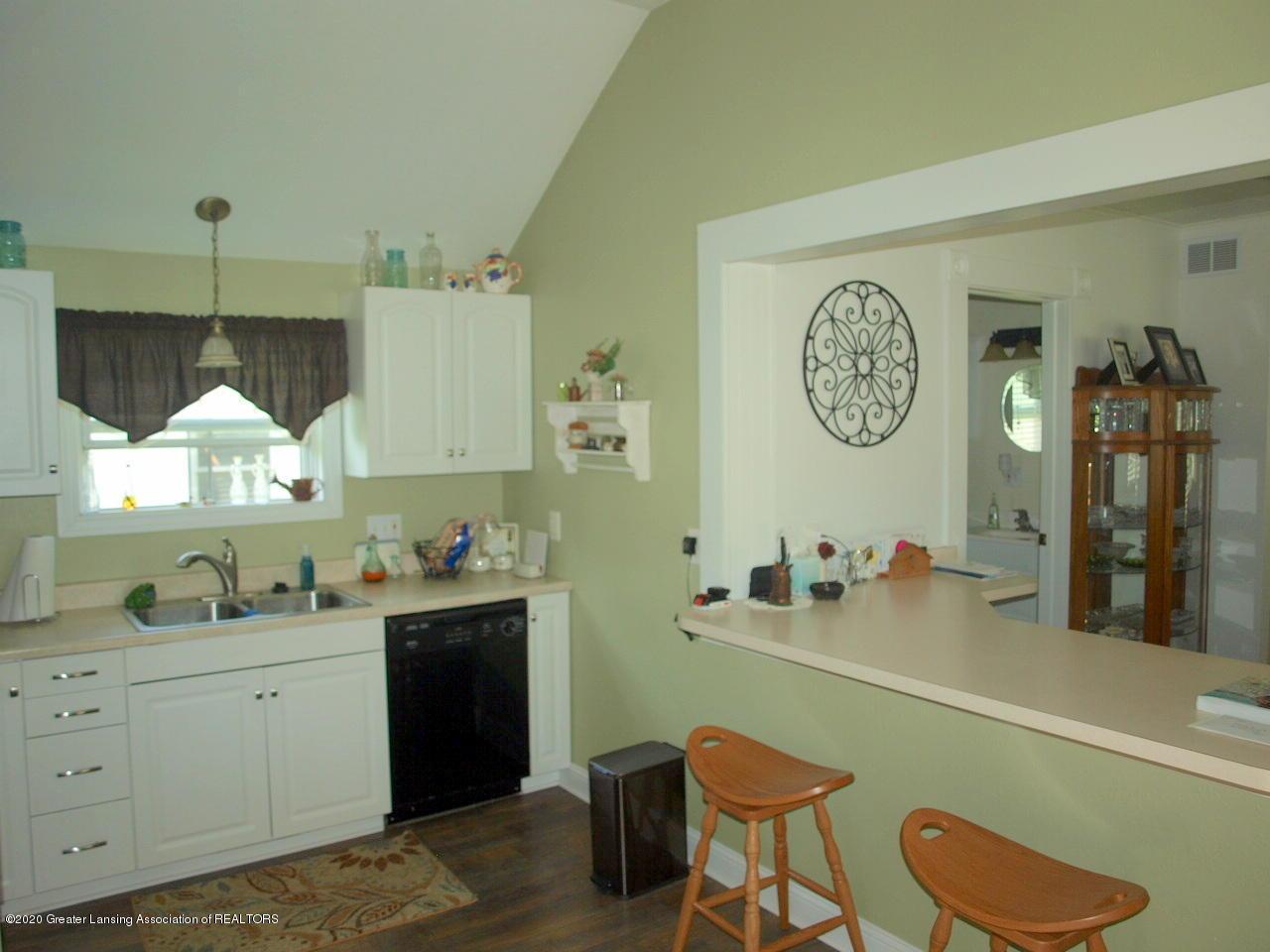 202 N Lansing St - Eat in Kitchen - 4