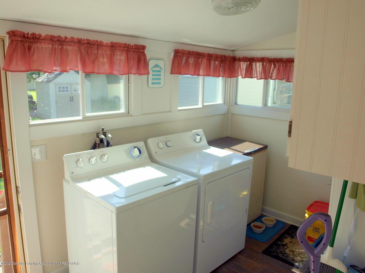 202 N Lansing St - Laundry - 8