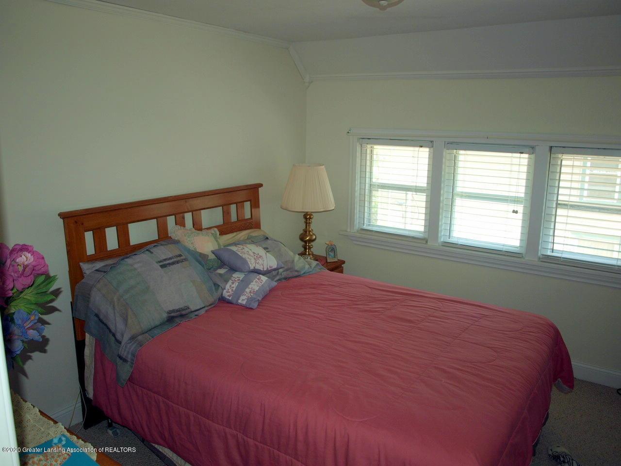202 N Lansing St - Bedroom - 12
