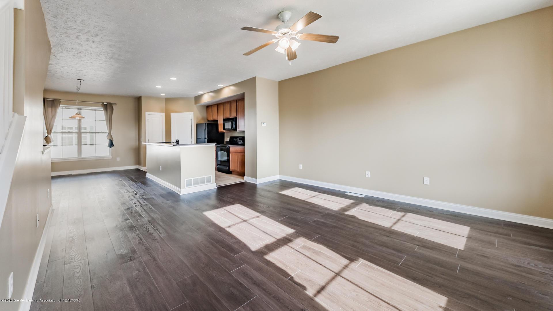 3307 Wharton St - Living Room/ Kitchen - 7