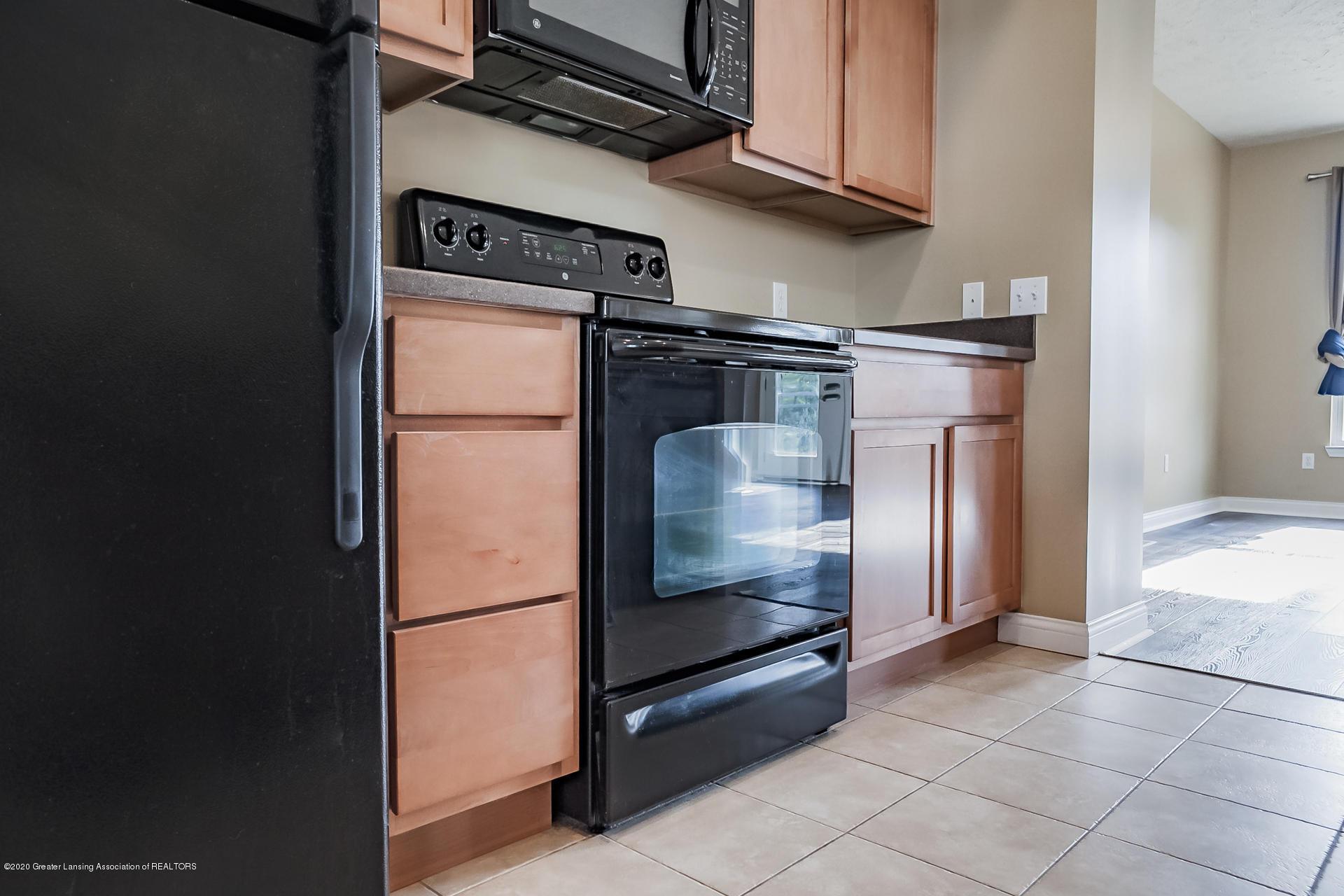 3307 Wharton St - Kitchen - 8